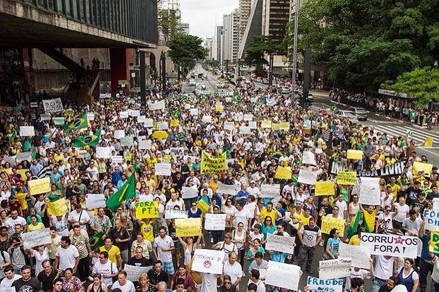Brasil fuera corruptos